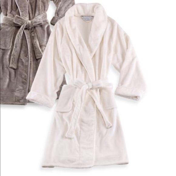 select for best unique style big sale Wamsutta creme ivory bath robe S/M